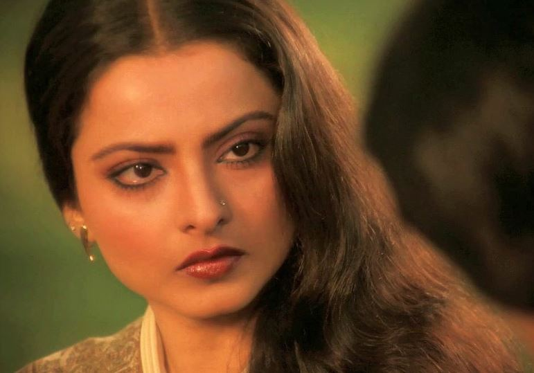 8 Rekha Moments That Were Sheer Poetry For Indian Cinema