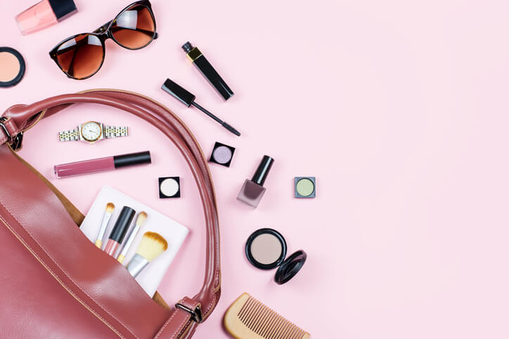 86bada8aa4 7 Beauty Products All Women Must Have In Their Handbags - GoodTimes ...
