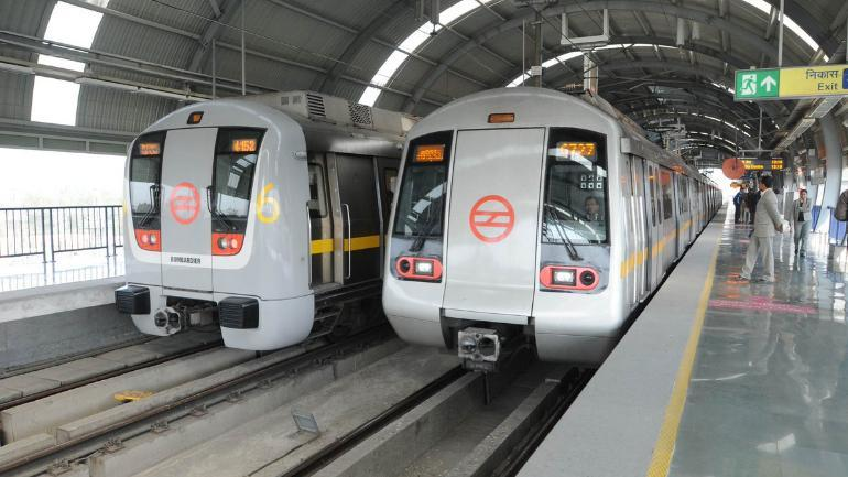 Delhi Metro Disappoints Once Again, Snag On Yellow Line Leaves Many Stranded - GoodTimes: Lifestyle, Food, Travel, Fashion, Weddings, Bollywood, Tech, Videos & Photos