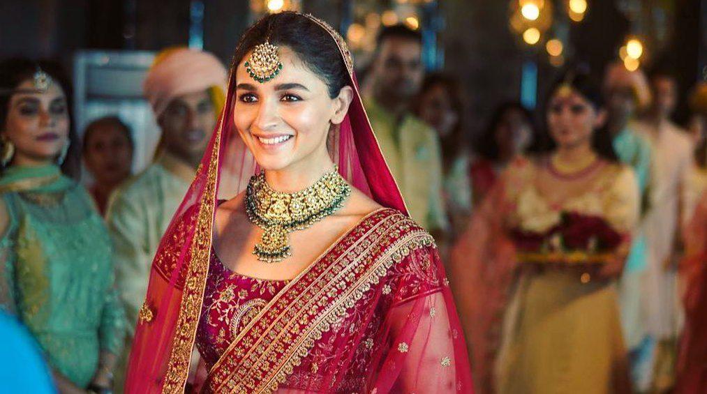 Ranbir Kapoor Reveals Alia Bhatt Is Obsessed With Sonam Kapoor's... - GoodTimes: Lifestyle, Food, Travel, Fashion, Weddings, Bollywood, Tech, Videos & Photos