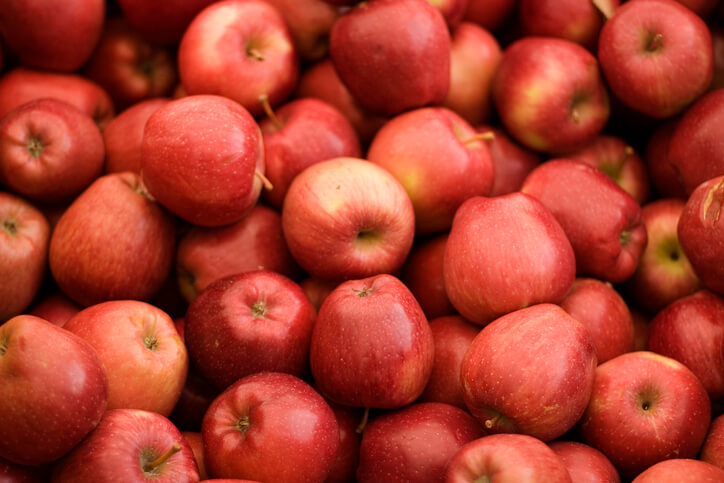 benefits of apple for skin